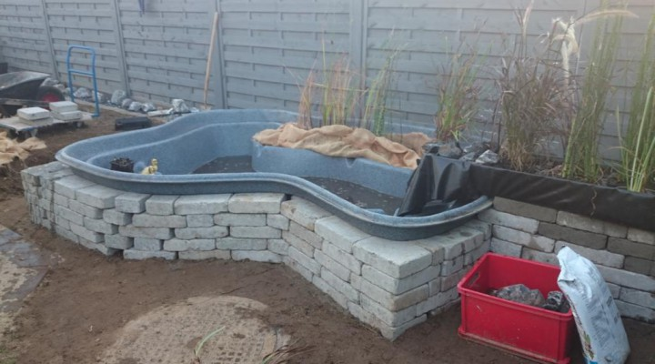 Umbau Garten 2014 – Teil 6 – grossen Teich einbauen