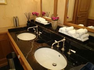 WC-Grand-Hotel-Les-Trois-Rois-Basel