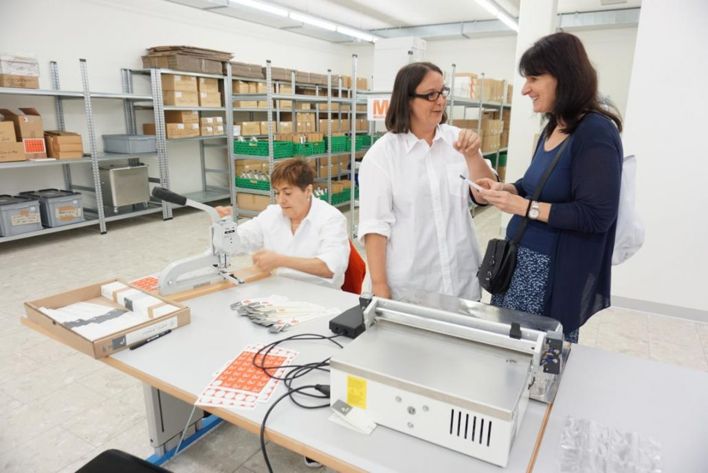 Nun gibt es ein Päcki Apfelringe Arwo Stiftung Fislisbach